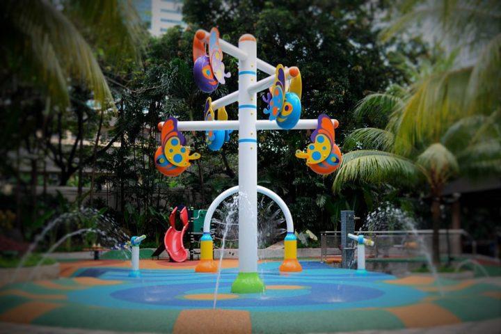 Beneficios de los elementos naturales en los parques infantiles