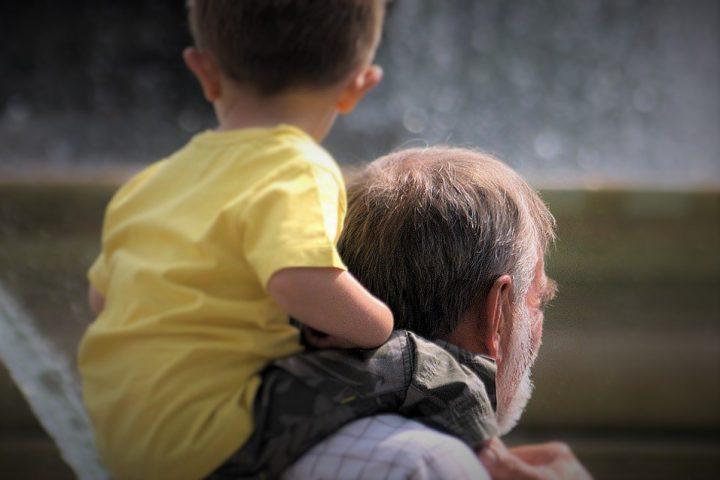 Abuelos y nietos, juego sin fin